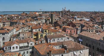 Venise vue du ciel depuis le Campanile dei Santi Apostoli.