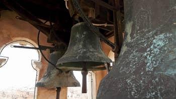 Les trois cloches du Campanile de Santa Maria Formosa, dans le Sestier du Castello à Venise.