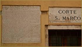 Règlement de voisinage et de comportement à l'usage des habitants des maisons de la Corte San Marco datant de 1759, dans le Sestier du Dorsoduro à Venise