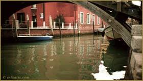 Le rio del Tentor o de la Madonna, dans le Sestier du Dorsoduro à Venise