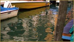Reflets sur le rio de San Barnaba, dans le Sestier du Dorsoduro à Venise