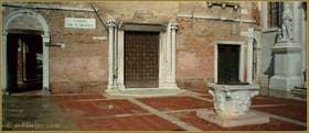 Le Campo de l'Abazia et son beau puits du XIVe siècle, dans le Sestier du Cannaregio à Venise