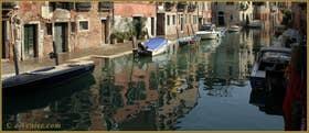 Le rio de la Sensa et la Fondamenta dei Mori avec la maison du Tintoret à gauche, dans le Sestier du Cannaregio à Venise