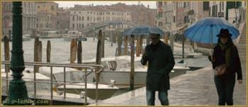 Fondamenta Santa Croce le long du Grand Canal, dans le Sestier de Santa Croce à Venise.