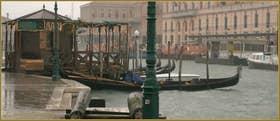 L'embarcadère des gondoles sur la Fondamenta San Simeon Picolo, le long du Grand Canal, dans le Sestier de Santa Croce à Venise