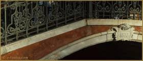 Le pont San Barnaba, dans le Sestier du Dorsoduro à Venise