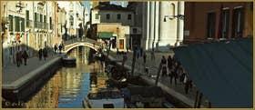 Le pont et le rio de San Barnaba, dans le Sestier du Dorsoduro à Venise