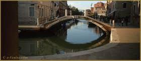 Le pont de le Terese, sur le rio dell'Arzere, dans le Sestier du Dorsoduro à Venise