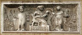 L'hôpital des pauvres dei Sartori se trouvait ici, au 4838 de la Fondamenta dei Sartori. Un bas-relief de 1511 en témoigne encore. On y voit la Vierge Marie et l'enfant Jésus entre Santa Barbara à sa droite et Sant Omobono. Dans le Sestier du Cannaregio à Venise