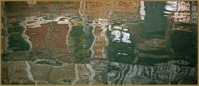 Reflets sur le rio de Santa Caterina, dans le Sestier du Cannaregio à Venise