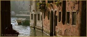 Le rio de la Madalena avec au fond, le Grand Canal de Venise
