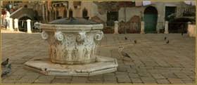 Le puits en forme de chapiteau Lombard du Campo de la Madalena, un puits datant de la fin du XVe siècle ou du début du XVIe, dans le Sestier du Cannaregio à Venise
