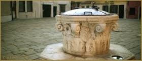 Le puits du Campo de la Madalena, dans le Sestier du Cannaregio à Venise