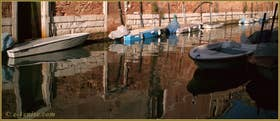 Reflets sur le rio de la Tana, le long de l'Arsenal, dans le Sestier du Castello à Venise