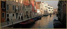 Le rio de la Madona de l'Orto, le long de la Fondamenta Gasparo Contarini, dans le Sestier du Cannaregio à Venise