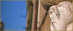 Détail de la statue de l'un des frères Mastelli, sur le Campo dei Mori, dans le Sestier du Cannaregio à Venise.