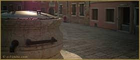 Détail du puits du XVIIe, début du XVIIIe siècle, du Campo dei Mori, dans le Sestier du Cannaregio à Venise.