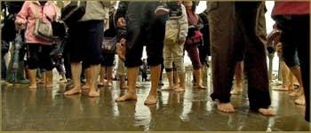 Acqua Alta Venise - Festival de pieds sur le pont de la Paglia, dans le Sestier de Saint-Marc à Venise.
