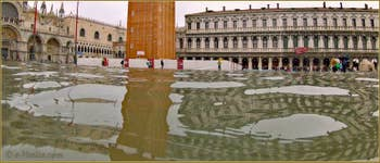 Acqua Alta Venise: La Piazza San Marco transformée en lac, dans le Sestier de Saint-Marc à Venise.