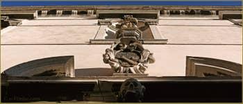 La façade de la Scuola di San Pasquale Baylon, Oratorio delle Sacre Stigmate, sur le Campo de la Confraternita, dans le Sestier du Castello à Venise.