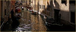 Le rio de la Fava, frontière entre les Sestieri de San Marco à gauche, et du Castello à Venise.