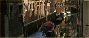 Le rio delle due Torri - Santa Maria Mater Domini et le pont de l'Agnella, dans le Sestier de Santa Croce à Venise.