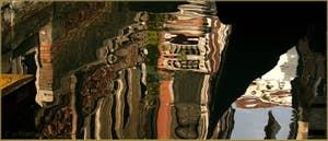 Reflets sur le rio de la Verona Menuo, dans le Sestier de Saint-Marc à Venise.