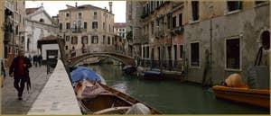 La Fondamenta dei Preti, le long du rio del Mondo Novo, dans le Sestier du Castello à Venise.