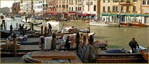 Les livraisons au Rialto, dans le Sestier de Saint-Marc à Venise.