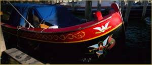 Jolie Peata vénitienne, sur le grand canal à Venise.