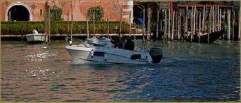 Les reflets du Grand Canal de Venise.
