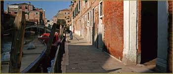La Fondamenta de l'Abazia, le long du rio de la Sensa, dans le Sestier du Cannaregio à Venise.