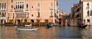 Le Traghetto de Santa Sofia sur le Grand Canal à Venise.