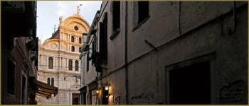La façade de style Gothique tardif de l'église de San Zaccaria, dans le Sestier du Castello à Venise.