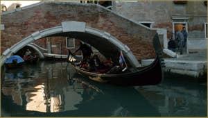 La Fondamenta et le pont del Piovan, dans le Sestier du Cannaregio à Venise.