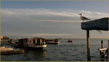 Sous le pont de la Ca' di Dio, Riva degli Schiavoni, face au bassin de Saint-Marc, dans le Sestier du Castello à Venise.