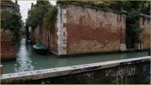 Le rio de la Racheta, à l'angle du rio de Santa Caterina, dans le Sestier du Cannaregio à Venise.