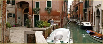 Le Campiello de le Erbe et le pont Grimani, dans le Sestier de San Polo à Venise.