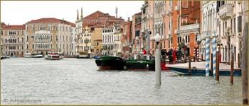 Le Grand Canal de Venise du côté du Sestier de San Polo (à droite).