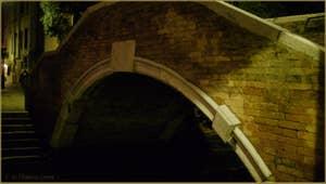 Le Pont Widmann, dans le Sestier du Cannaregio à Venise.