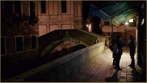 Le pont de Santa Maria Nova et l'église dei Miracoli, dans le Sestier du Cannaregio à Venise.