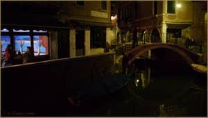 Le pont et la Fondamenta del Piovan, dans le Sestier du Cannaregio à Venise.