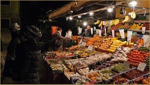 Marchand de fruits et légumes, Rio Terà Barba Frutariol, dans le Sestier du Cannaregio à Venise.