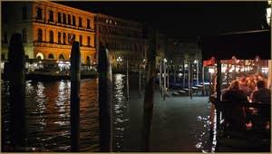 La Riva del Vin sur le Grand Canal, dans le Sestier de San Polo à Venise.