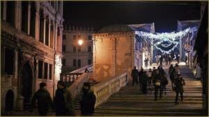 Le pont du Rialto, dans le Sestier de San Polo à Venise.