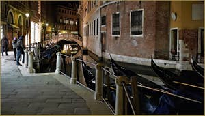 La Fondamenta Orseolo et le pont Tron, dans le Sestier de Saint-Marc à Venise.