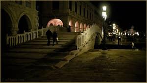 Le pont de la Paglia, le pont de la paille, devant le palais des Doges, dans le Sestier de Saint-Marc à Venise.