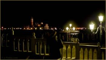 L'île de San Giorgio Maggiore, vue depuis le pont de la Paglia, dans le Sestier de Saint-Marc à Venise.