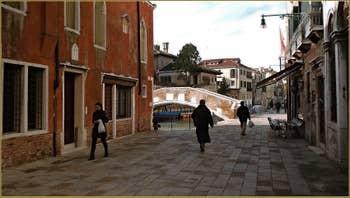 La Salizada San Pantalon et le pont de Ca' Marcello, dans le Sestier de Santa Croce à Venise.