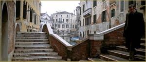 Le pont dei Preti et le pont del Paradiso (à droite), dans le Sestier du Castello à Venise.